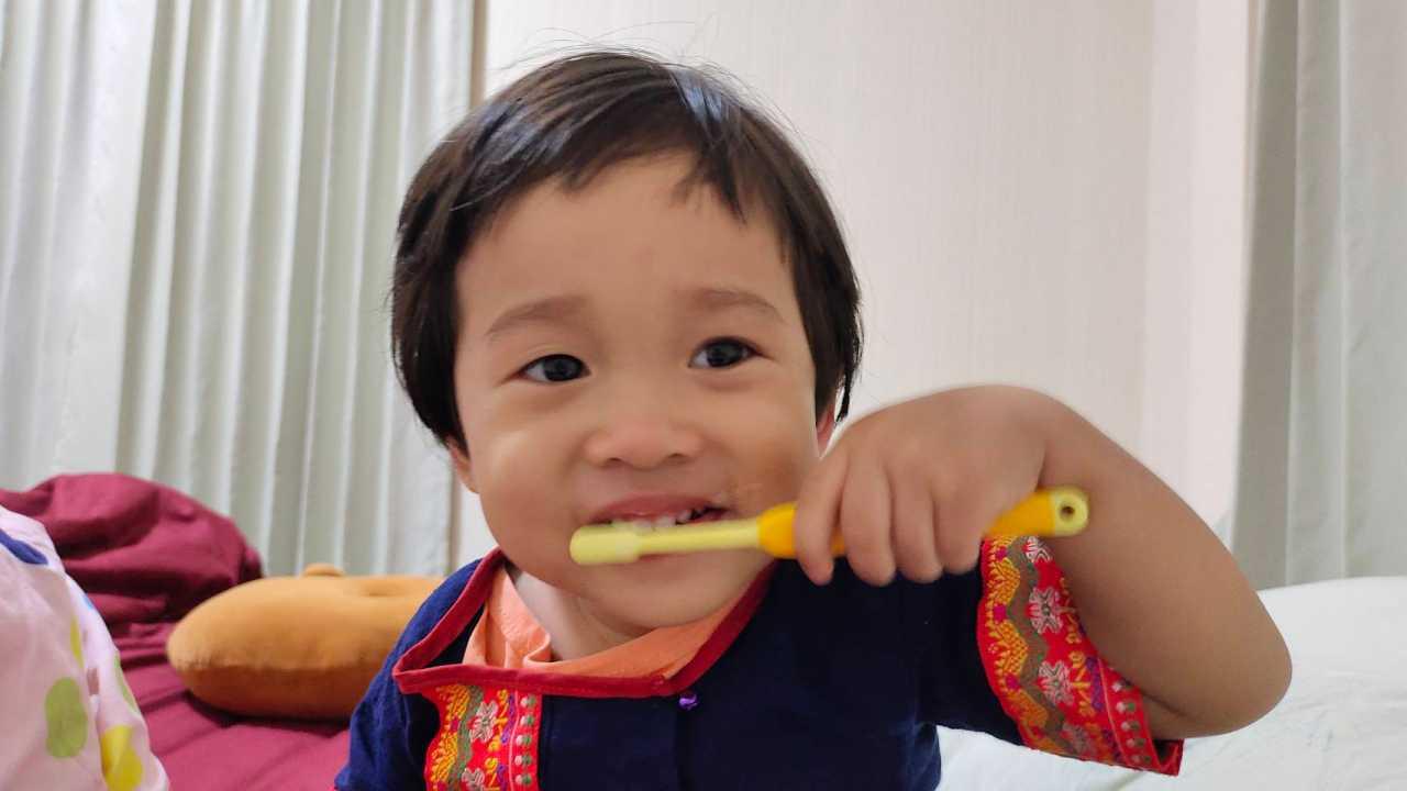 แปรงฟันเด็ก รวมวิธีดูแลฟันน้ำนมด้วยการเลือกยาสีฟันและไหมขัดฟัน